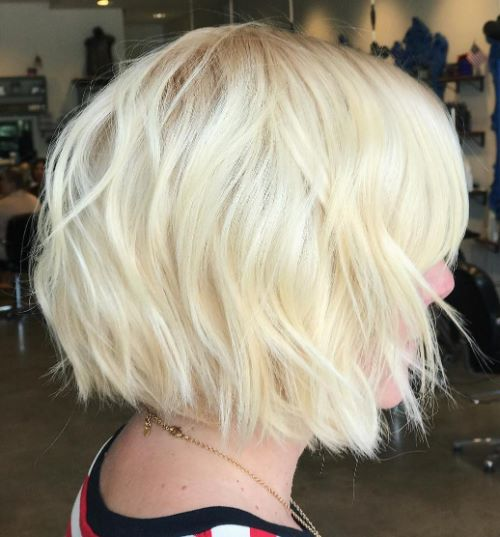 Neck-Length Shaggy Bob with Waves