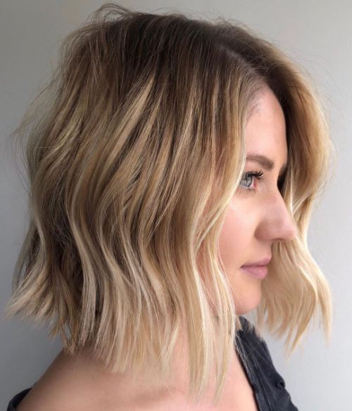 Chic Wavy Bob Haircut for Fine Hair